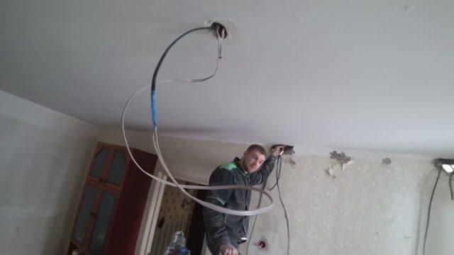 Натяжные потолки фото с выпуклым цветком стали лучшими